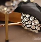 DIY: Δώσε Λάμψη στις Παλιές σου Γόβες και δημιούργησε την δική σου μόδα!