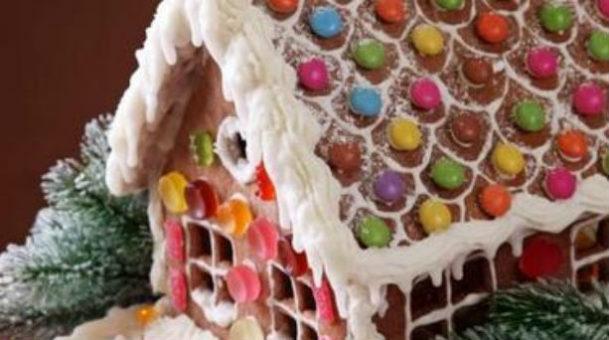 DIY:Χριστουγεννιάτικο σπιτάκι από μπισκότο.