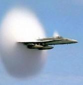 Δείτε ενα F-18 σπάει το φράγμα του ήχου (Video)