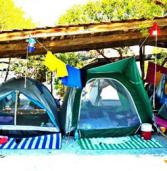 Οργανωμένο camping στην Ελλάδα: οικονομικές διακοπές κάτω απ' τα αστέρια.