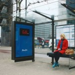 Παγκάκια-ζυγαριές στις στάσεις λεωφορείων στη Μόσχα!