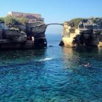 H Isola La Gaiola είναι ένα υπέροχο…. καταραμένο νησί