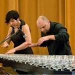 Απίστευτη μουσική εκτέλεση με… ποτήρια νερού!