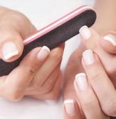 Αυτός είναι ο σωστός τρόπος για να λιμάρετε τα νύχια σας!