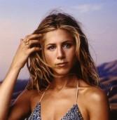 Jennifer Aniston: Αυτό είναι το φυσικό μυστικό που κρατά την επιδερμίδα της λαμπερή