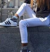 Λευκό παντελόνι στην καρδιά του χειμώνα. Γιατί όχι;