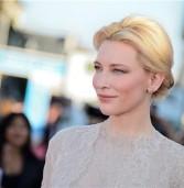 """Οι """"stars""""  του Hollywood σας συμβουλεύουν για το σωστό μακιγιάζ μετά τα 40."""