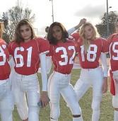 Οι «άγγελοι» της Victoria's Secret σκοράρουν με σέξι τρόπο για τον Άγιο Βαλεντίνο!