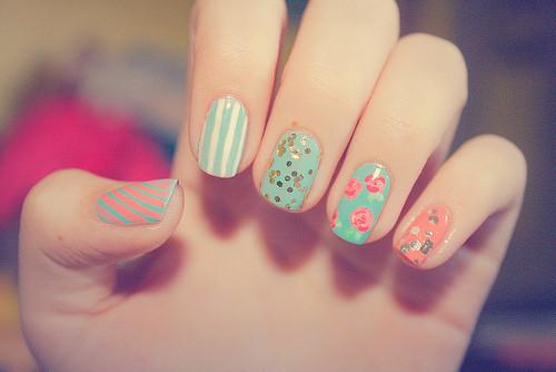 colorful-nails-fashion-nails-summer-nail-color-Favim.com-2794716