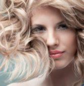 Tips για να πετύχετε ίσια μαλλιά ή με ανάλαφρους κυματισμούς