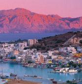 Ο παραλιακός οικισμός της Κρήτης που λάτρεψαν αρκετοί Έλληνες πολιτικοί & εμίρηδες