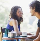10 πράγματα που κοιτάζουν οι άντρες σε μια γυναίκα