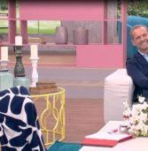 Καλεσμένος ήταν ο Πέτρος Κωστόπουλος στην «Ελένη» και αναφέρθηκαν στο γεγονός ότι έχουν να μιλήσουν επτάμιση χρόνια.(Video)