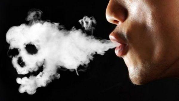 Τι παθαίνουν οι πνεύμονες μέσα σ'ένα χρόνο όταν κάνεις ένα πακέτο τσιγάρα την ημέρα.