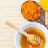 """Κουρκουμάς και μέλι:Πώς να  τρώτε το """"χρυσό μέλι"""" και τι προσφέρει στην υγεία."""