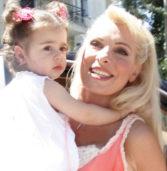 Ελένη Μενεγάκη: Δείτε τη μεγάλη της κόρη Λάουρα, που έκλεισε τα 12 !(Photo)