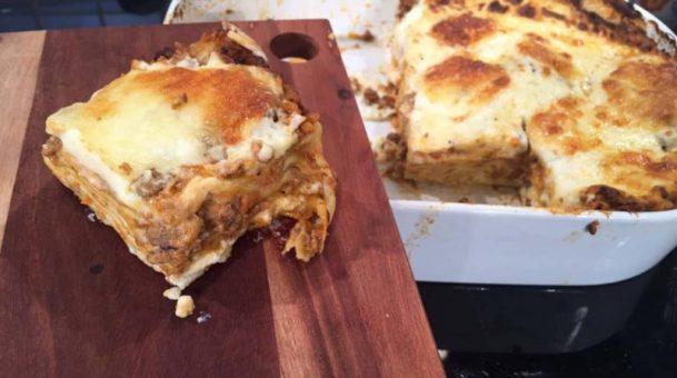 Μυστικά για απίστευτα λαζάνια με σάλτσα μπολονέζ από την Αργυρώ Μπαρμπαρίγου.