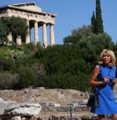 Μπριζίτ Τρονιέ: Μαγεμένη από την Αρχαία Αγορά – «Δεν φεύγω, θα μείνω!»
