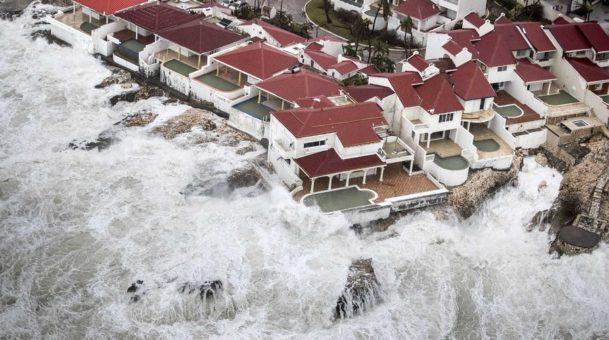 Στο μάτι το κυκλώνα Ίρμα η Κούβα .Πλησιάζει απειλητικά τις ακτές της Φλόριντα .(Video)