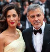 H πρώτη δημόσια εμφάνιση του George και της Amal Clooney με τα δίδυμα τους!