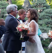 Η υπόσχεση που έδωσαν οι δύο πρώην σύντροφοι να παντρευτούν αν είναι ακόμη ελεύθεροι στα 50 τους!