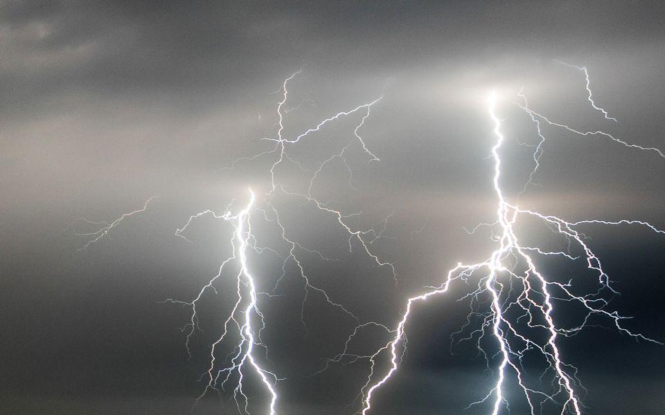 salama ukkonen myrsky sää sade ilmastonmuutos