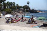 Κορονοϊός: Μάθετε τα νέα μέτρα που ισχύουν το πριν πάτε στην παραλία και τι ισχύει για φαγητό και ποτό.